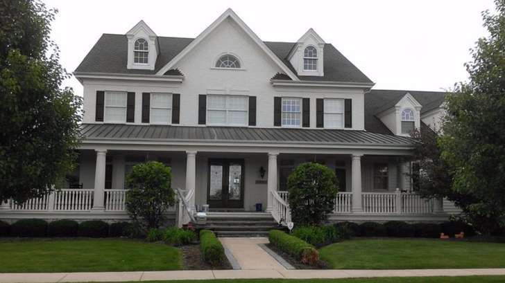 Exterior painting in South Elgin by Painter's Logic